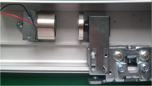 magnetic lock installation display